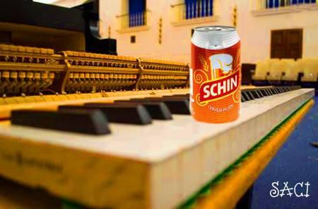 cerveja no piano 16